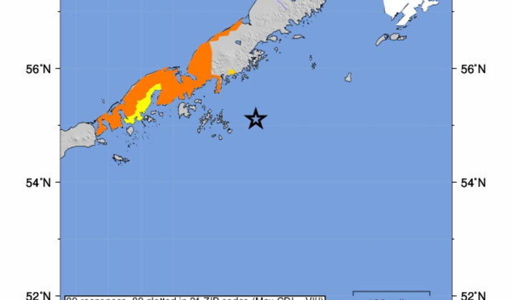 Potente sismo magnitud 7.8 sacude a islas de Alaska