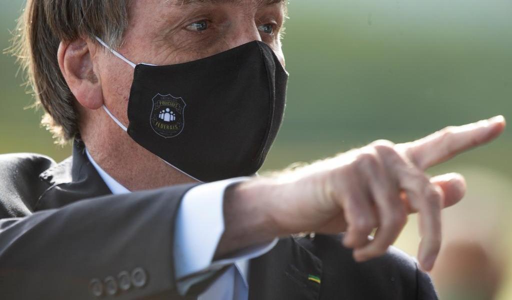 Bolsonaro vuelve a dar positivo en prueba de COVID-19