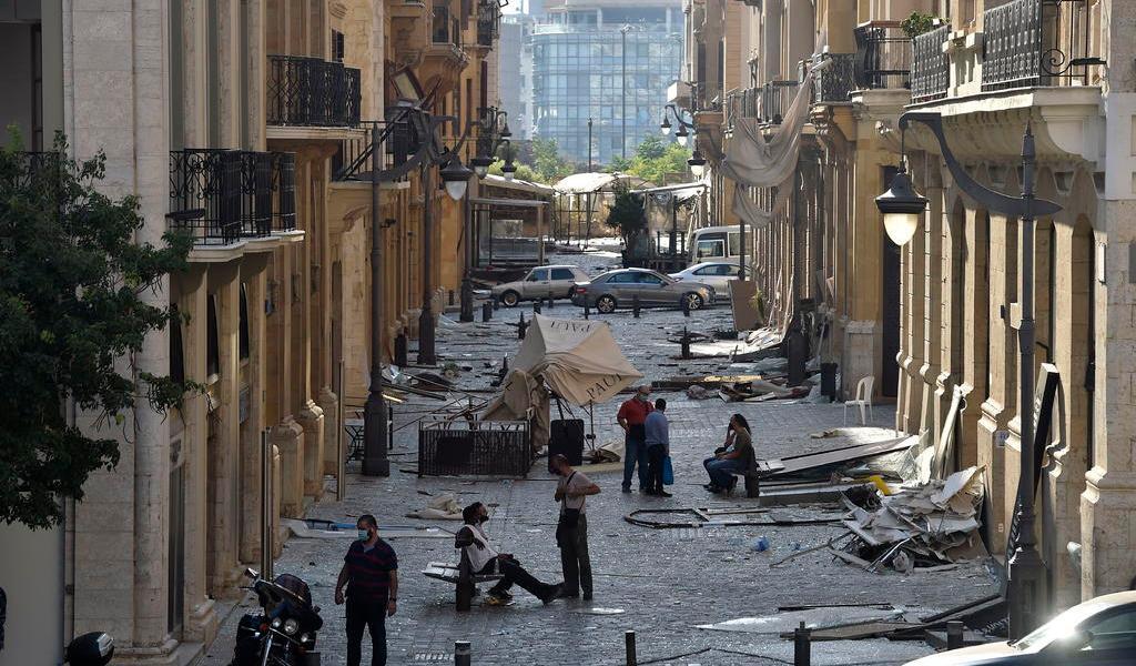 Macron irá este jueves al Líbano y coordinará envío de más ayuda