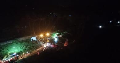 Avión sufre accidente y se parte en dos en aeropuerto de la India