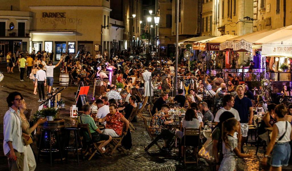 Italia aprueba decreto con ayudas económicas ante COVID-19