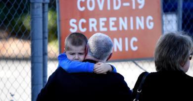 ¿Podría haber clases al aire libre en escuelas de EUA por COVID-19?