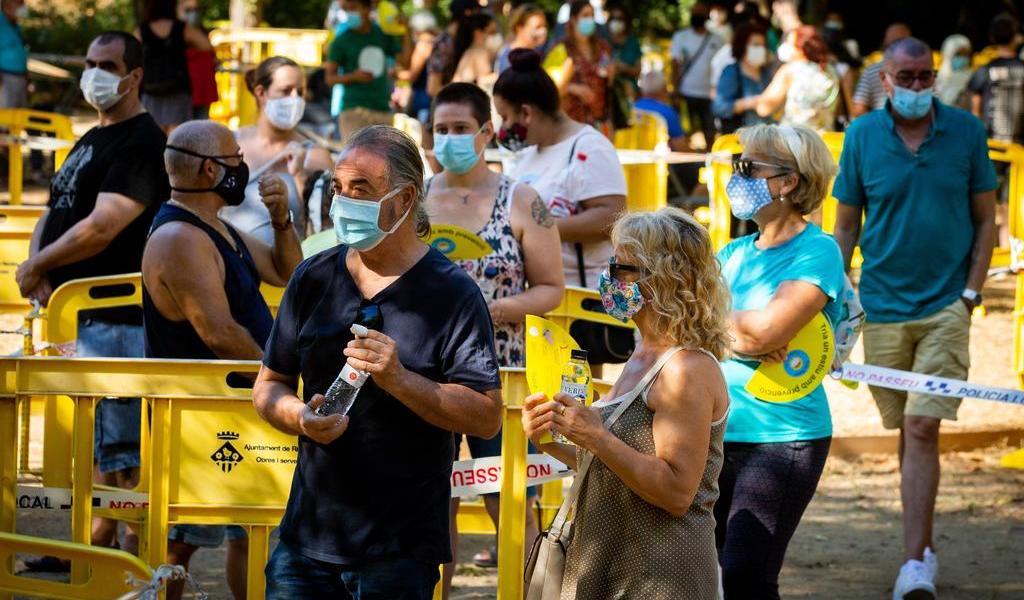 Notifica España casi 3 mil casos nuevos de COVID-19