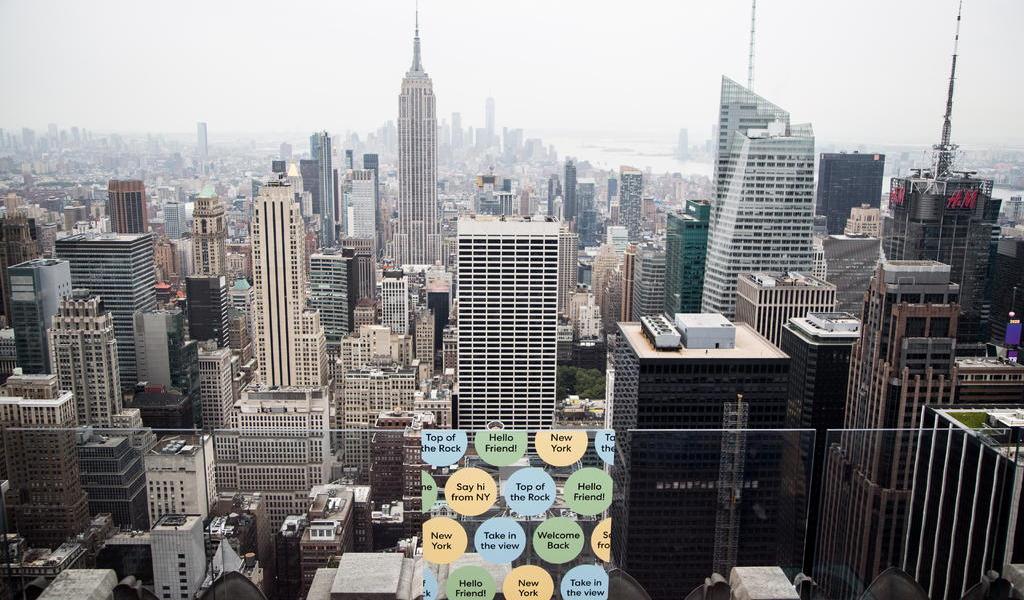 Activistas presionan para que imponga impuestos a los más ricos de Nueva York