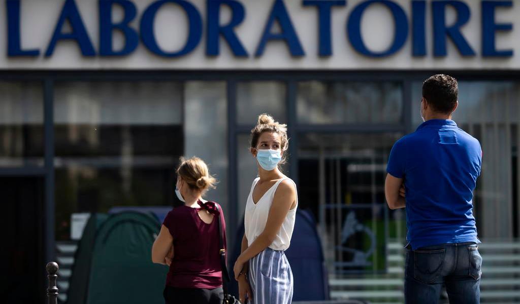 Suma Francia más de 4,500 contagios de COVID-19 por segundo día