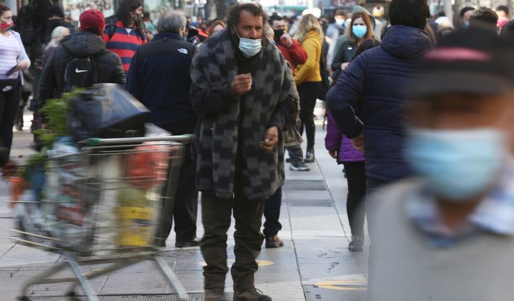 Supera Chile los 400 mil contagios de COVID-19; bordea las 11 mil muertes