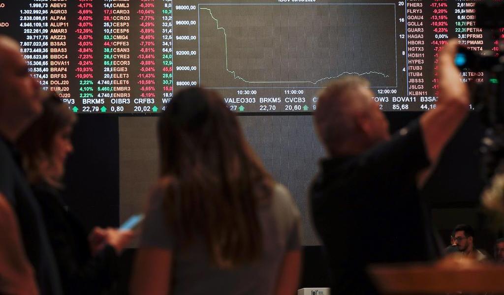 Bolsa de Sao Paulo se mantiene estable tras una jornada de tensión