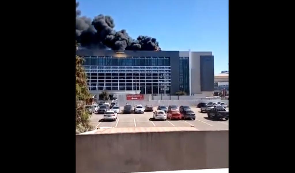Incendio obliga a evacuar hospital en Brasilia en plena pandemia