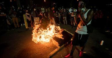 Culpa Trump al alcalde de Portland de la situación de violencia en la ciudad