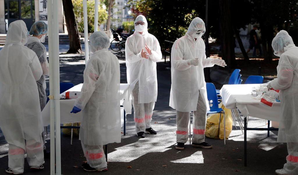 Registra Francia pico de casi 9 mil nuevos casos de COVID-19 en un día