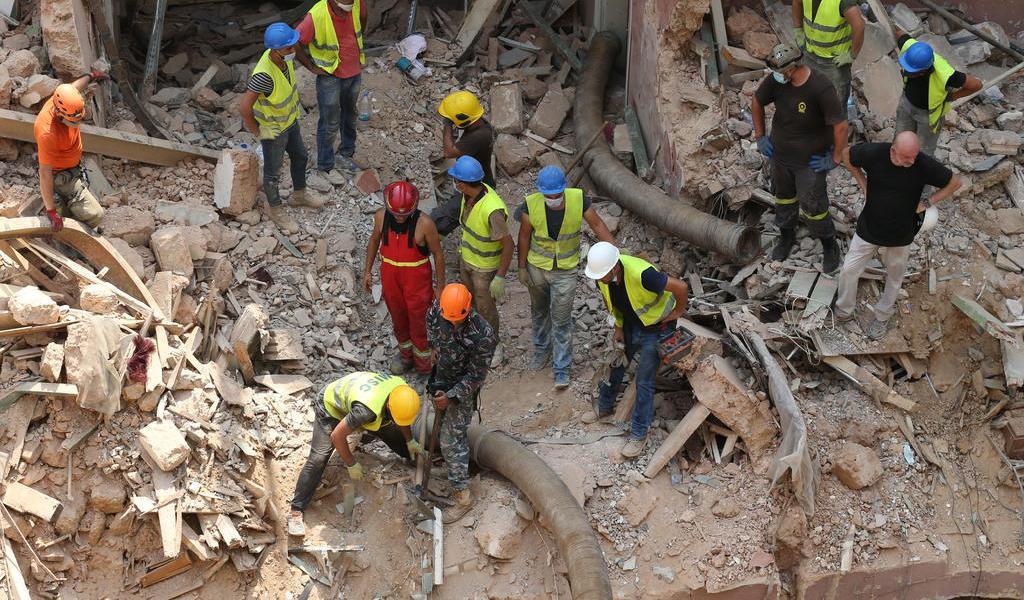 A un mes de la explosión en Beirut, detectan presencia de respiración