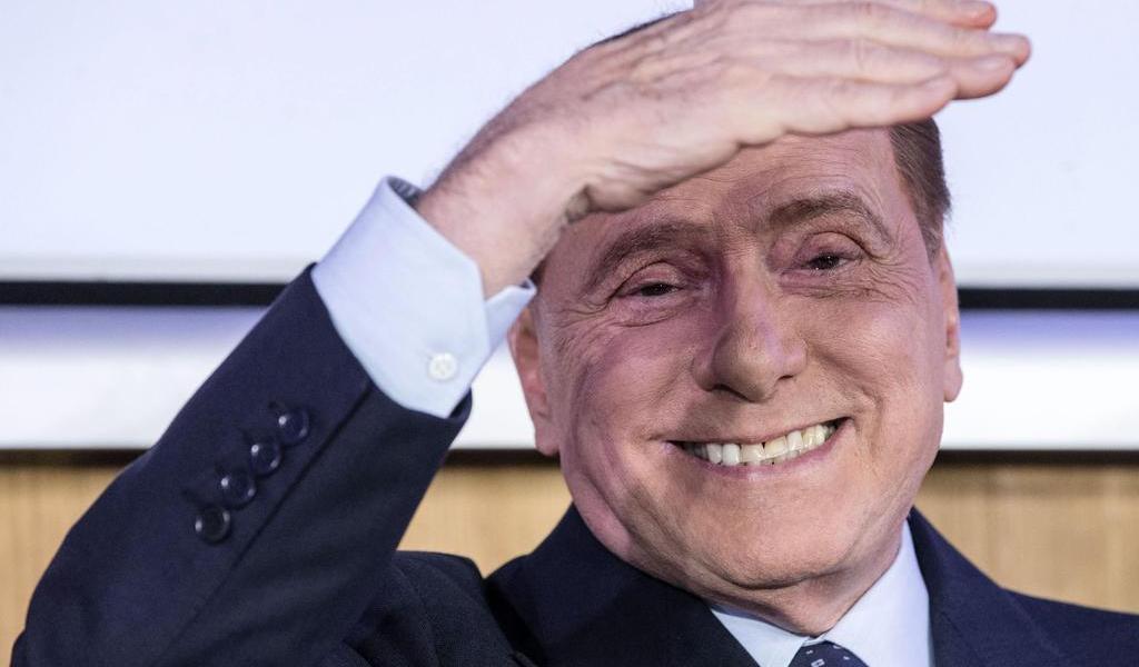 Berlusconi presenta mejoría de su neumonía bilateral por COVID-19