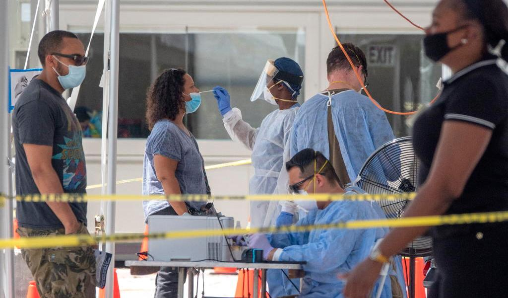 Por segundo día, casos nuevos de COVID-19 no superan los 2 mil en Florida