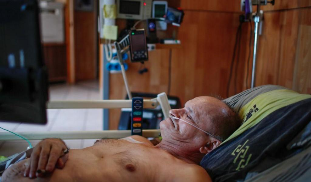 Hospitalizado, francés que intentó transmitir su muerte en Facebook