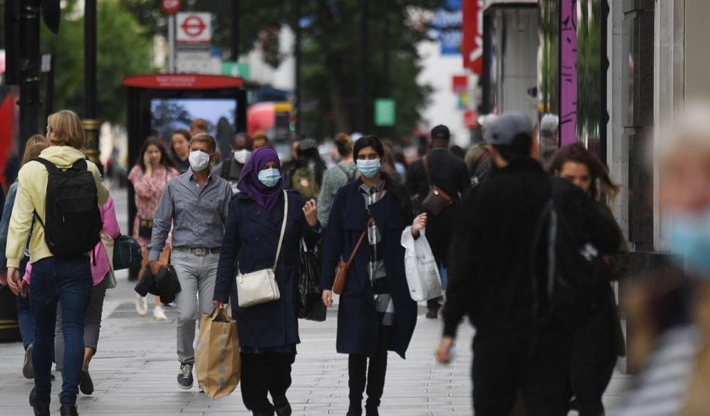 Endurece Reino Unido restricciones de contacto social