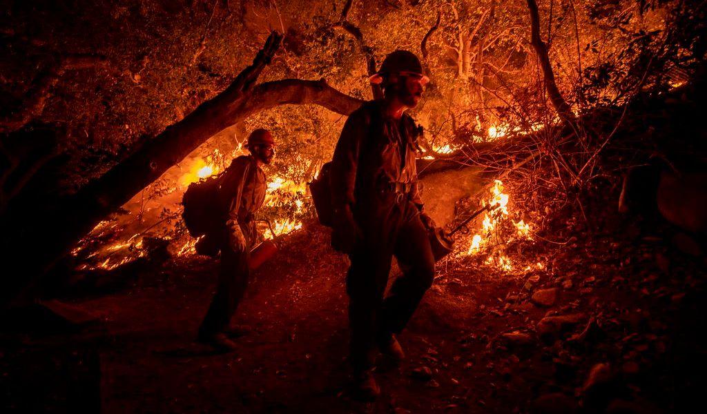 Los incendios se politizan en EUA