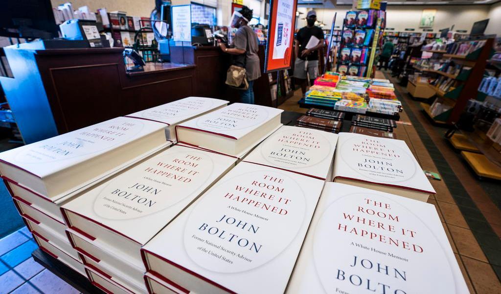 Abre EUA investigación criminal por libro del exasesor John Bolton