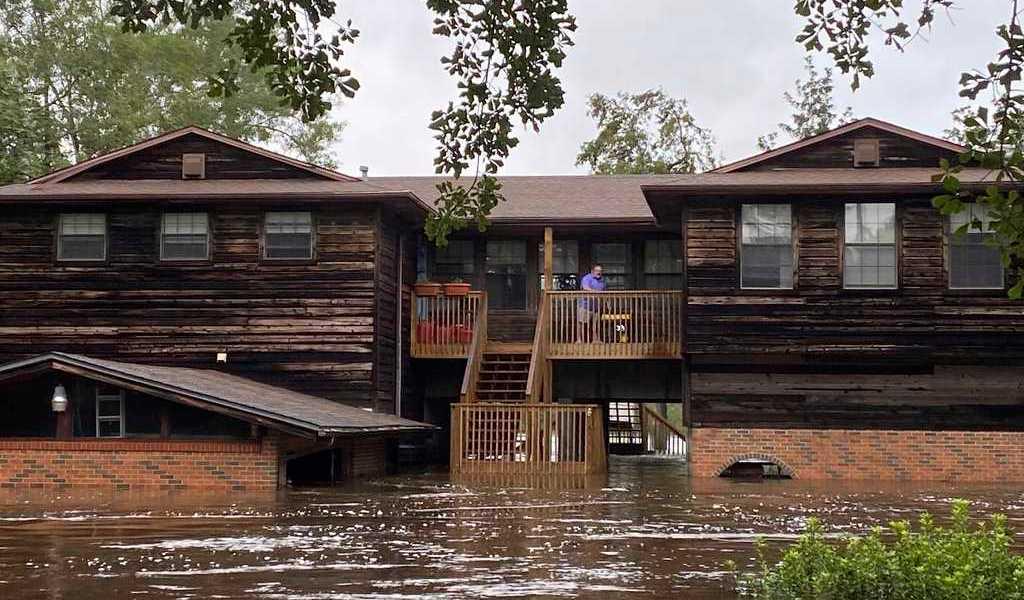'Sally' deja un muerto e inundaciones en EUA