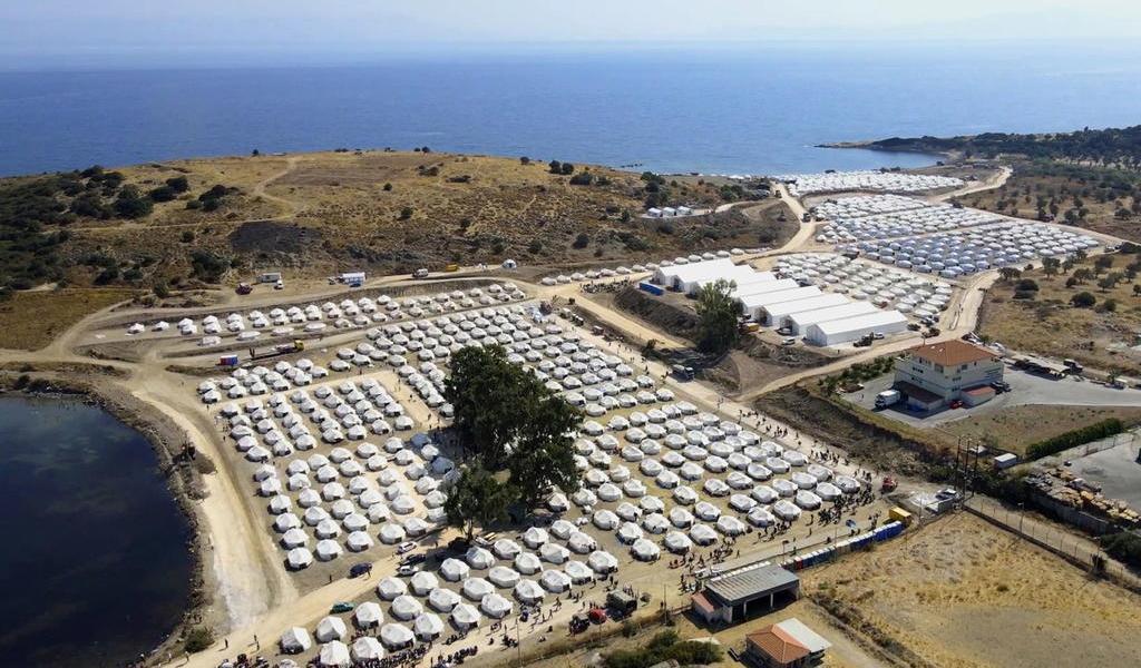 Nuevo campo de refugiados acoge alrededor de 7 mil personas en Lesbos