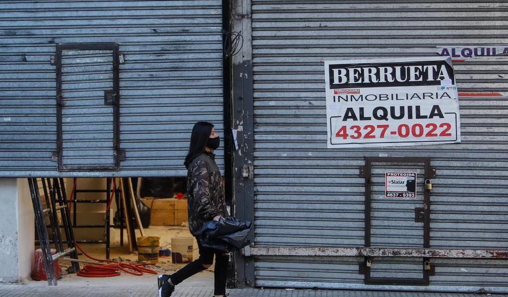 Cumple Argentina medio año en cuarentena con crisis económica