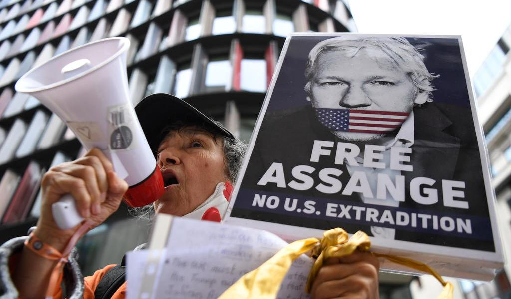 Implica testigo a EUA en la expulsión de Assange de la embajada de Ecuador