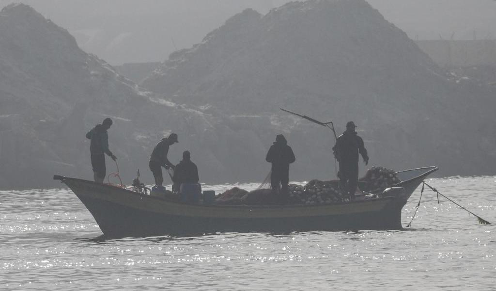 Pescadores palestinos mueren por disparos de la Marina egipcia
