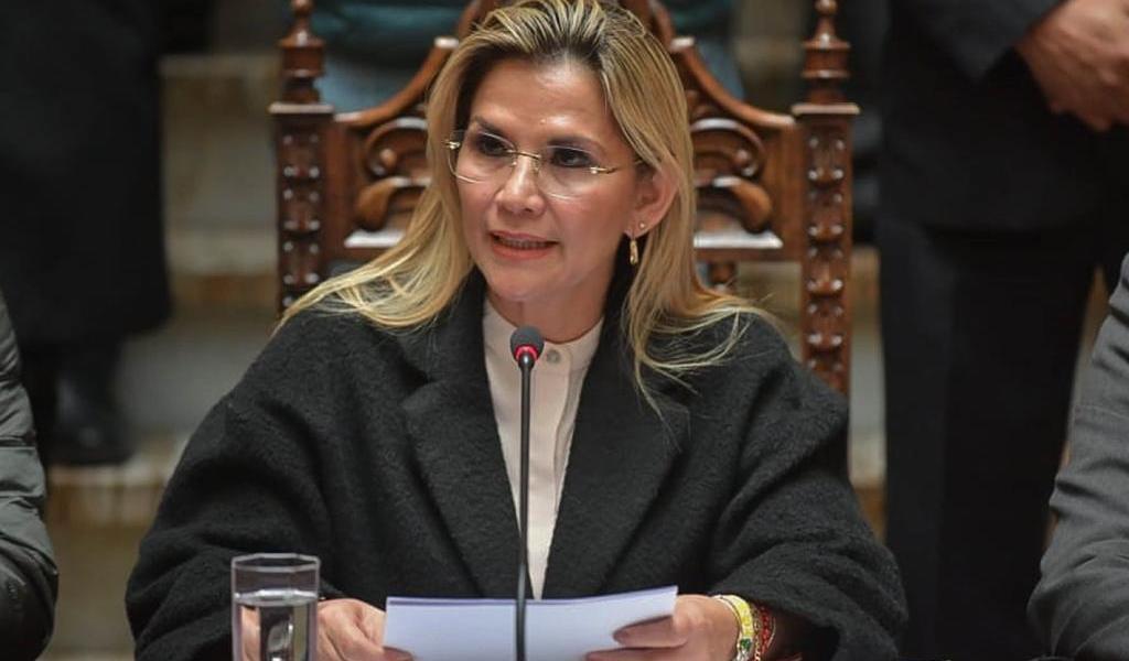 Tres ministros dejan su cargo en Bolivia