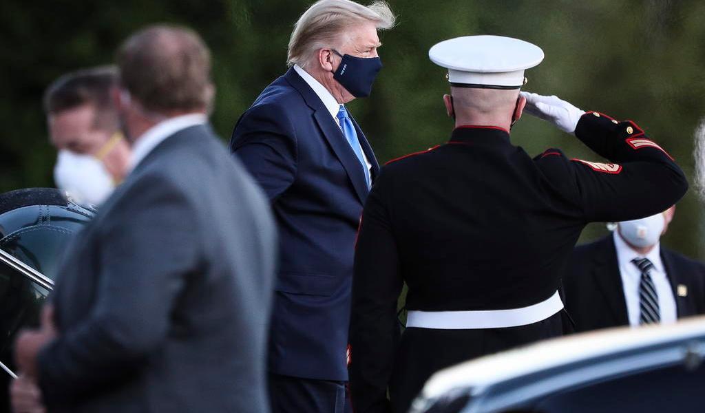 Reportan que Donald Trump ha presentado fiebre y tos, luego de contagiarse de COVID-19