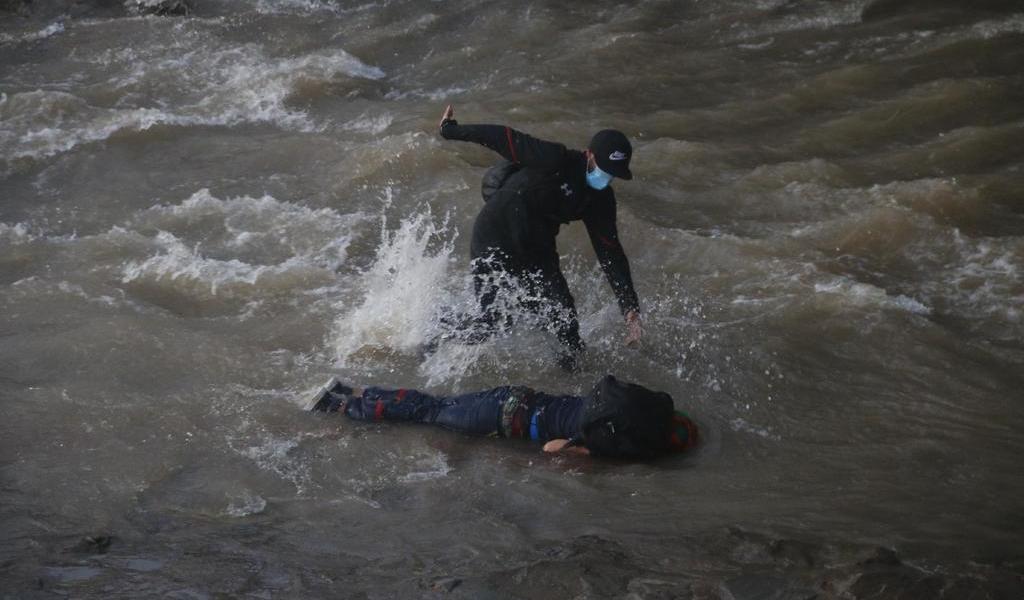 Estable, joven que fue arrojado por un policía a río en Chile