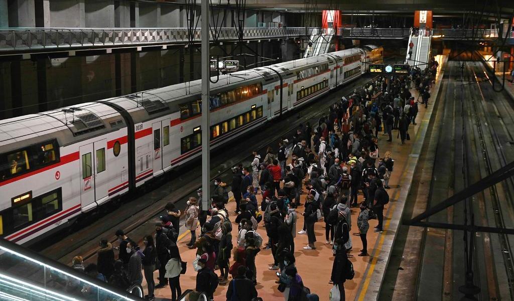Suma España 261 muertes por COVID-19; la cifra más alta de su segunda ola