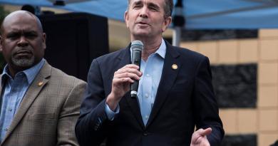 Asegura FBI que paramilitares consideraron secuestar a gobernador de Virginia