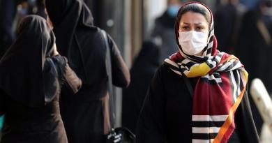 Irán bate récords de muertes y contagios de COVID-19