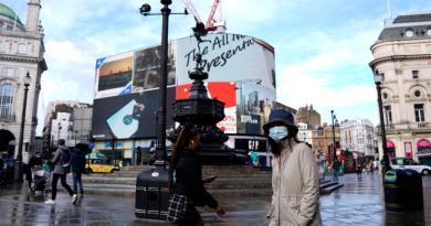 Prohíbe Londres reuniones sociales; Manchester se rebela contra Johnson