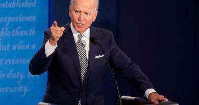 En recaudación de fondos, Biden supera ampliamente a Trump