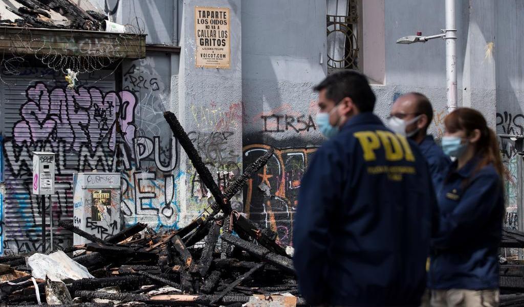 Afirma Piñera que Chile quiere vivir en paz tras noche de extrema violencia