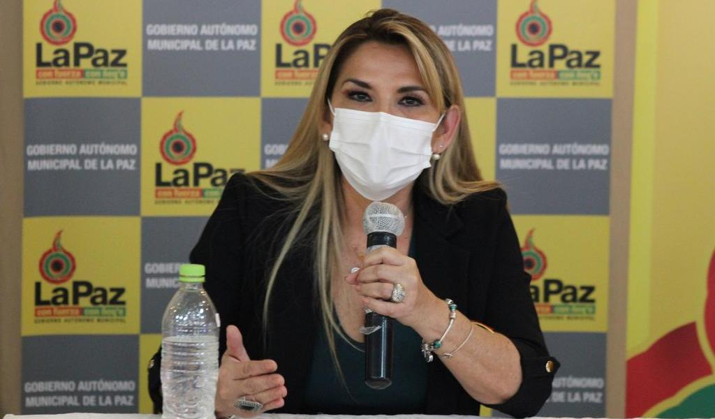 Cambia Jeanine Áñez a dos ministros censurados por el Parlamento boliviano