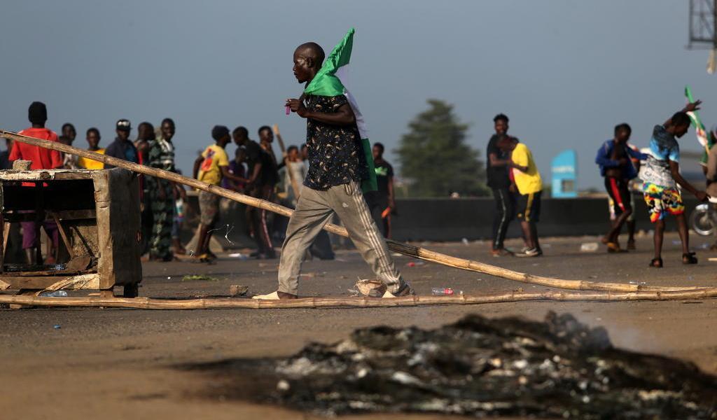 Protestas contra la violencia policial dejan 56 muertos en Nigeria