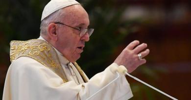 Vaticano explica postura del Papa Francisco sobre unión civil de gays