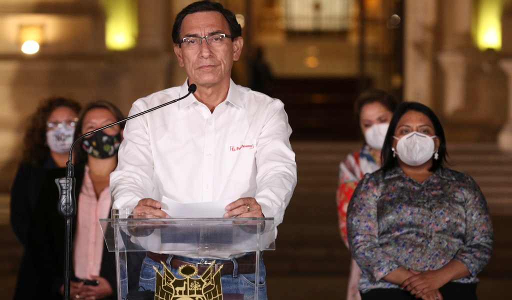 Destituyen al presidente de Perú
