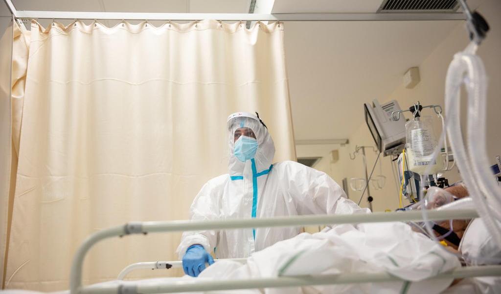 Suma Italia 636 muertes por COVID-19 en el último día; peor dato en siete meses