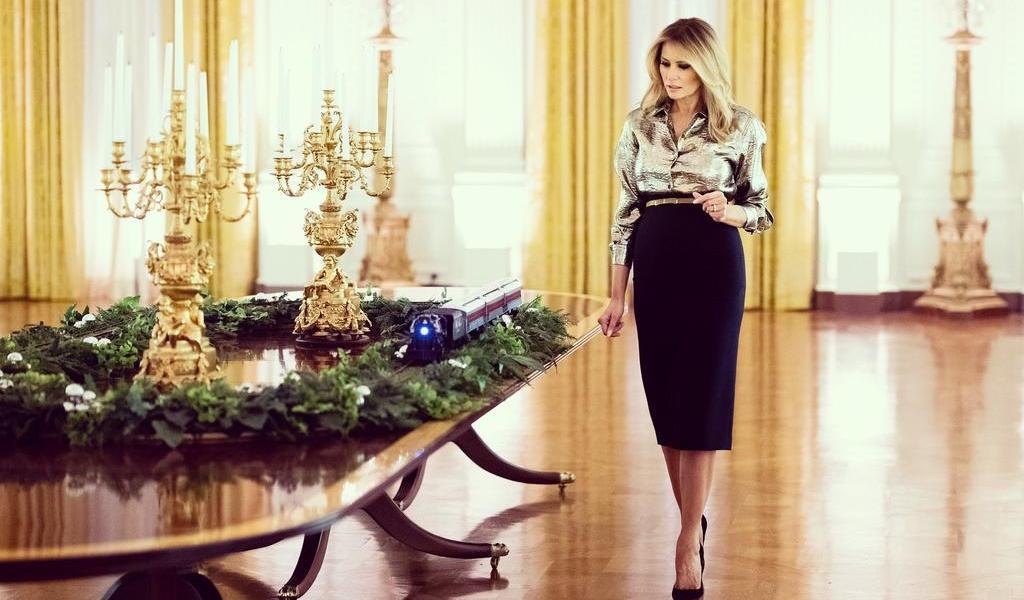 Melania Trump decora por última ocasión la Casa Blanca