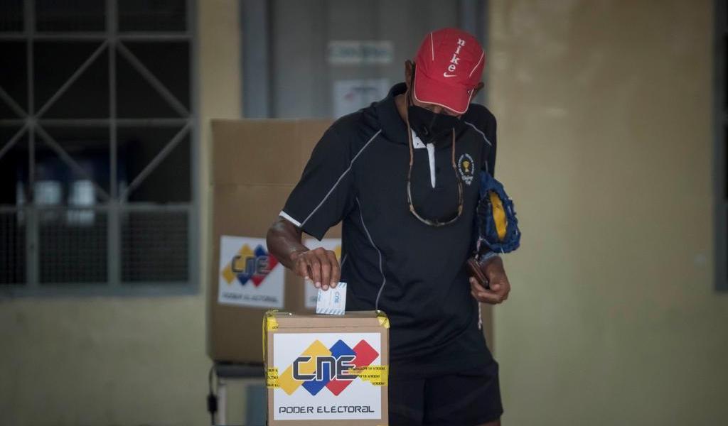 Niega Rusia 'graves violaciones' en elecciones legislativas en Venezuela