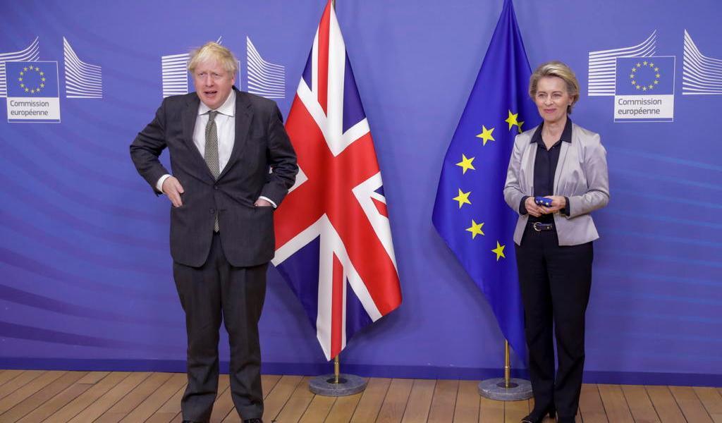 Johnson ve a Reino Unido y UE 'muy lejos' en asuntos clave