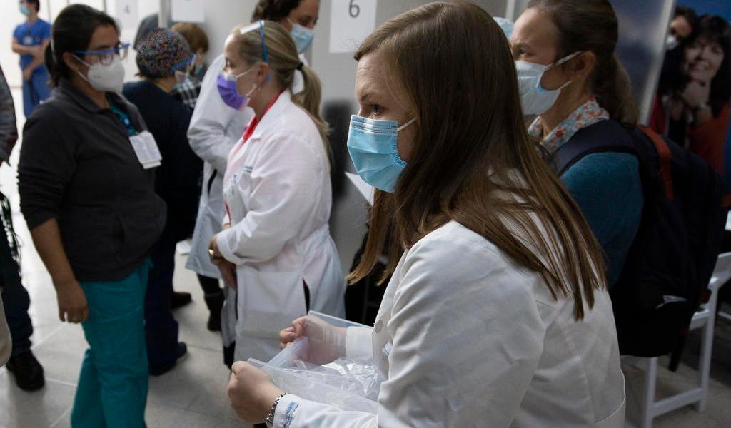 Suma el tercer empleado sanitario con reacción alérgica a vacuna de Pfizer en EUA