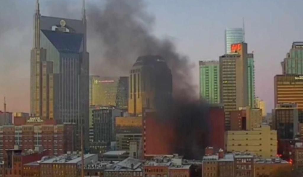 Policía investiga explosión en Nashville; se trataría de un 'acto intencionado'