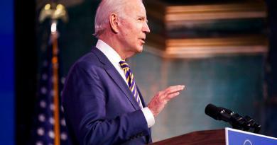 Joe Biden critica ritmo de vacunación contra COVID-19 y promete mejorarlo