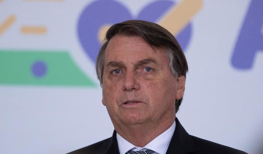 Bolsonaro descarta atraso de vacunación contra COVID-19 en Brasil