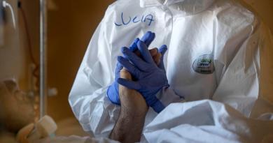 Suma Italia 10,800 nuevos contagios de COVID-19