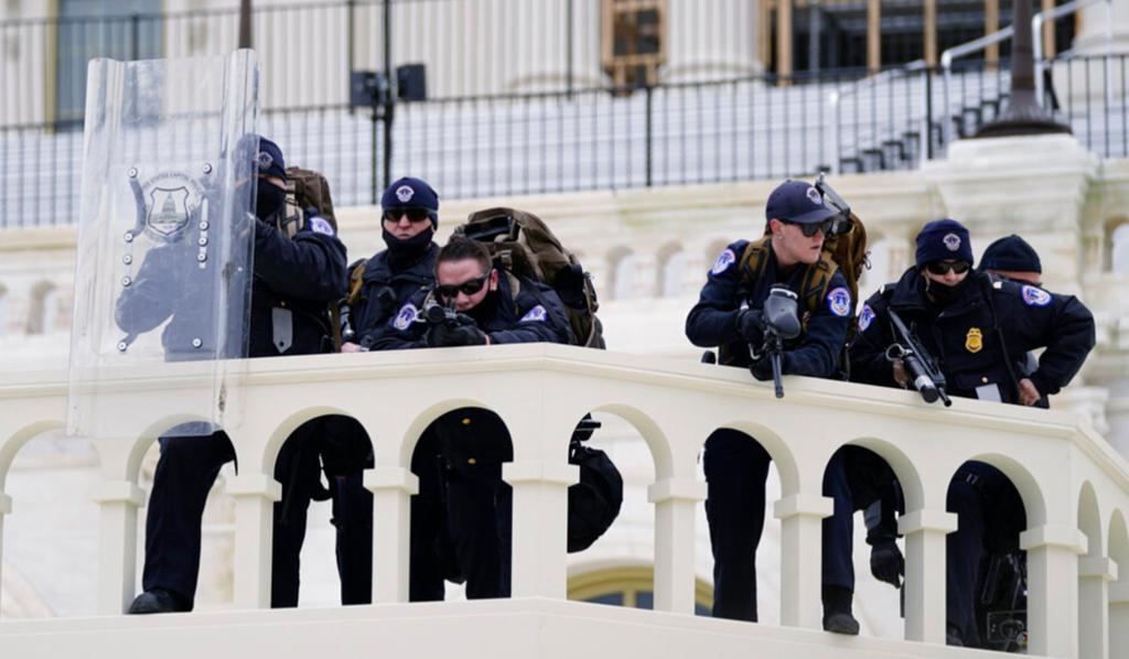 Se reporta una persona herida de bala durante manifestaciones del Capitolio en EUA