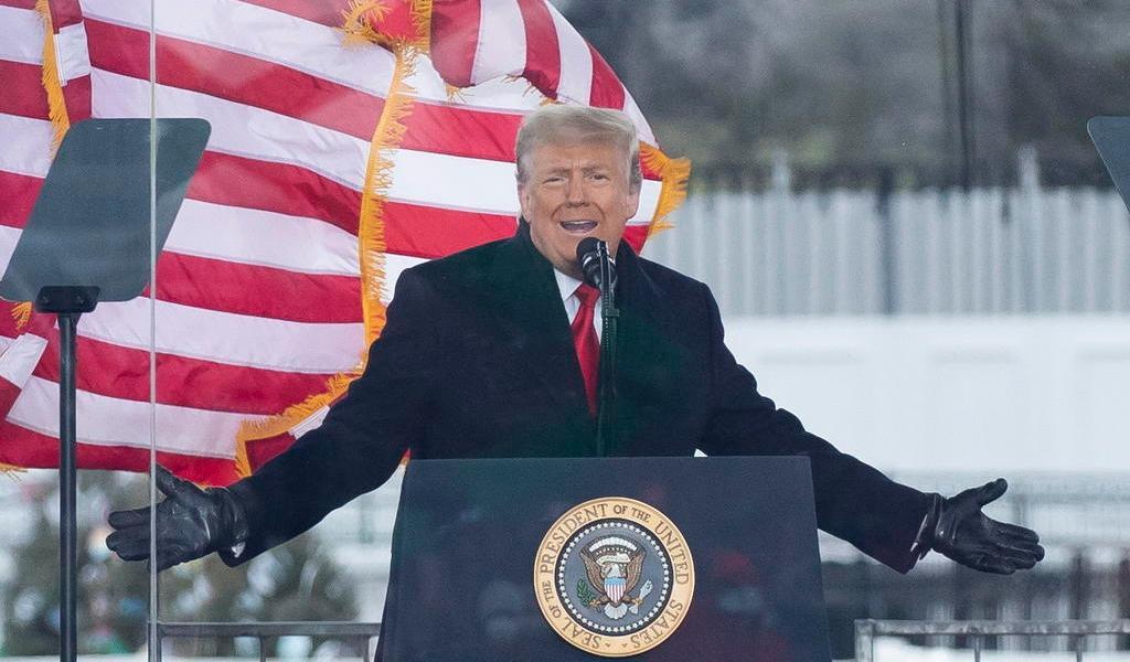 Exigen destituir a Donald Trump tras disturbios en Capitolio de EUA